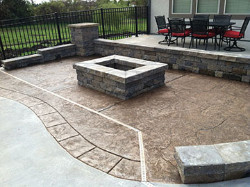 Who Doesnu0027t Want An Elegant Space In Their Backyard? At Leo Concrete, We  Are More Than Capable Of Turning Your Ordinary Gray Concrete Patio Into A  Space All ...